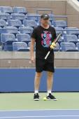 Six times Grand Slam champion Boris Becker coaching Novak Djokovic for US Open 2014 — Foto Stock