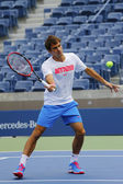 Seventeen times Grand Slam champion Roger Federer practices for US Open 2014 — ストック写真