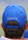 Tennis fan wears  Roger Federer hat during US Open 2014 semifinal match — Stok fotoğraf
