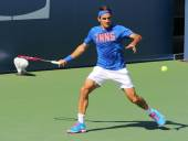Seventeen times Grand Slam champion Roger Federer practices for US Open 2014 — 图库照片