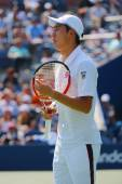Professional tennis player  Kei Nishikori during US Open men semifinal match with Novak Djokovic — Foto Stock