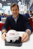 Mike Richter, New York Rangers Goalie and Hall of Famer,  during autographs session in New York — Stock Photo