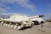Russian made ISU-152 self propelled gun captured by IDF during Six Day War in Sinai on display at Yad La-Shiryon Armored Corps  Museum at Latrun — Stockfoto