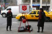 Salvation Army soldier perform for collections — Stock Photo