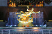 Statue of Prometheus at the Lower Plaza of Rockefeller Center in Midtown Manhattan — Stock Photo