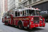 FDNY Ladder Company 21 in midtown Manhattan — Stock Photo