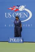 Line judge during match at US Open 2014 at Billie Jean King National Tennis Center — Stock Photo