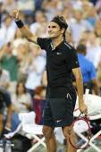 Seventeen times Grand Slam champion Roger Federer celebrates victory after round 4 match at US Open 2014 — Stock Photo