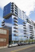Modern condominium building in Williamsburg neighborhood of Brooklyn — Stock Photo