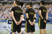 Ball boys on tennis court at the Billie Jean King National Tennis Center during US Open 2014 — Stock Photo