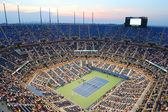 Arthur Ashe Stadium during US Open 2014 night match at Billie Jean King National Tennis Center — Stok fotoğraf