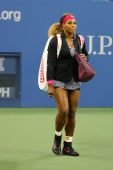 Grand Slam champion Serena Williams entering stadium before first round match at US Open 2014 — Stock Photo