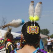 Unidentified female Native American dancer hair style at NYC Pow Wow in Brooklyn — Photo