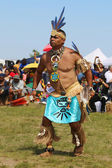Une danseuse amérindienne non identifiée à la new york pow wow — Photo