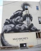 Mural art by Belgian Artist Roa at East Williamsburg in Brooklyn — Stok fotoğraf