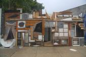 Street art installation at Wellington Court in Astoria section in Queens — Photo