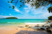 Tropical seascape with islands at Thailand, vacation background — Stockfoto