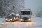 Blizzard on the road. — Stock Photo
