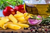 некоторые ингредиенты блюд итальянской кухни — Стоковое фото