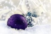 Luxury purple Christmas ball with ornaments in Christmas Snowy stil life. Christmas time — Stock Photo