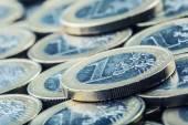 Euro-munten. Euro geld. Eurovaluta. Munten op elkaar gestapeld in verschillende posities. — Stockfoto