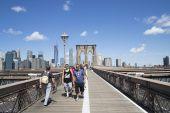 Brooklyn Bridge start — Stock Photo