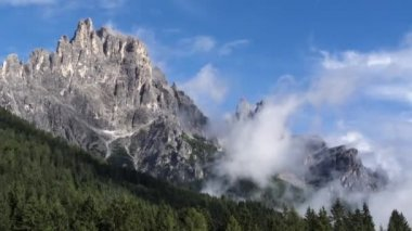 Time lapse, clouds over the mountain Dolomites — Stock Video