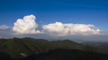 Clouds over the mountain of Varese — Stock Video