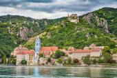 Town of Durnstein with Danube river, Wachau, Austria — Zdjęcie stockowe