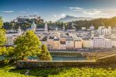 Historic city of Salzburg at sunset in, Salzburger Land, Austria — Stock Photo
