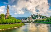 Salzburg skyline with Festung Hohensalzburg and Salzach river in summer, Austria — Stock Photo