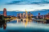 Frankfurt am Main skyline at dusk, Germany — Stock Photo