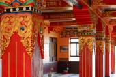 Inner hall in the Thrangu Tashi Yangtse monastery-Nepal. 0979 — Stock Photo