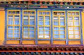 Wooden sash windows. Jokhang temple-Lhasa-Tibet. 1411 — Stock Photo