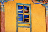 Wooden sash window. Jokhang temple-Lhasa-Tibet. 1412 — Stock Photo