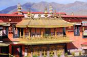 Gilded roofs. Balcony in Jokhang temple-Lhasa-Tibet. 1428 — Stock Photo