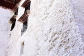 Detail of whitewashed wall and window.  Potala-Lhasa-Tibet. 1402 — Stock Photo