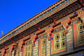 Profusely decorated manycolored roof eaves. Gyantse-Tibet. 1593 — Stock Photo