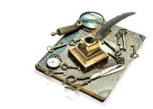 Antique keys, pocket watch, ink pen, loupe, book — Stock Photo
