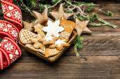 Christmas decoration and gingerbread cookies — Stok fotoğraf