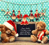 Nostálgico hogar decoración de navidad con juguetes antiguos — Foto de Stock