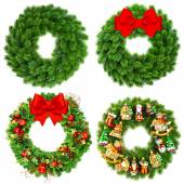 Christmas wreath undecorated and decorated with ornaments — Stock Photo