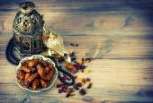 Dates, arabic lamps and rosary. Islamic holidays vintage decorat — Stock Photo