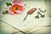Old handwritings, antique feather pen, keys, pocket watch and pi — Stock Photo