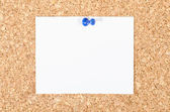 White note on cork board — Stock Photo