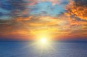 Východ slunce nad mořem — Stock fotografie