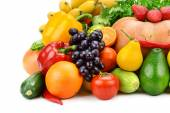 Fruit and vegetable isolated on white background — Stock Photo