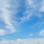 Plumose clouds in the blue sky — Stock Photo