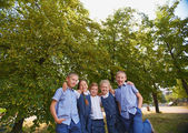 Schoolchildren in park — Foto Stock
