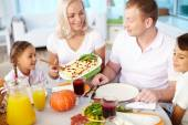 Couple and  kids going to eat festive dinner — Foto Stock